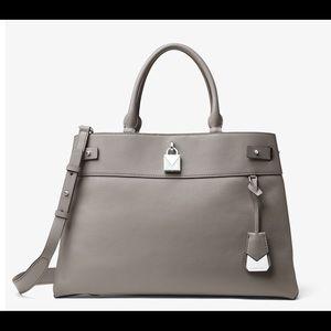 Michael KORS Authentic pebble gray satchel. Nice!